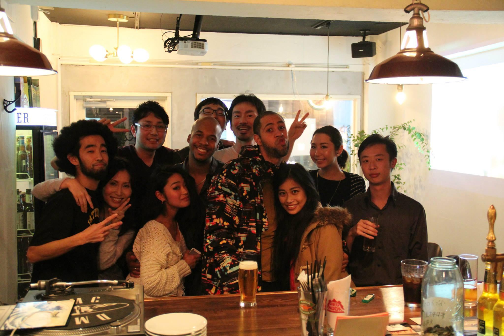 大学時代の仲間と一緒に撮った写真